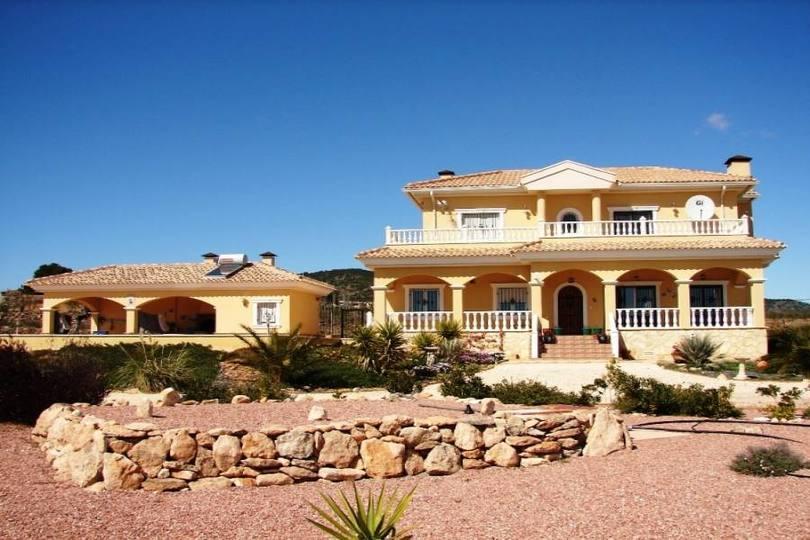 Pinoso,Alicante,España,4 Habitaciones Habitaciones,3 BañosBaños,Fincas-Villas,2145