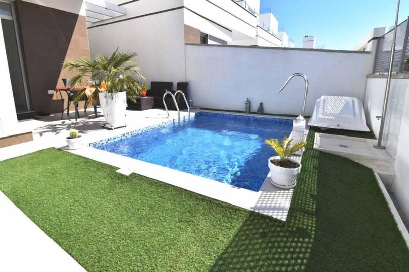 Ciudad Quesada,Alicante,España,3 Habitaciones Habitaciones,3 BañosBaños,Fincas-Villas,2253