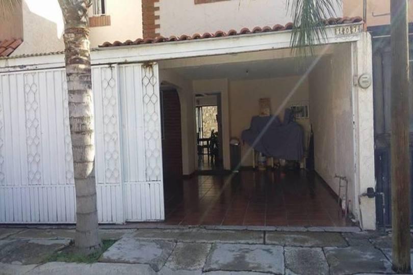 León,Guanajuato,México,3 Habitaciones Habitaciones,2 BañosBaños,Casas,real providencia,2735