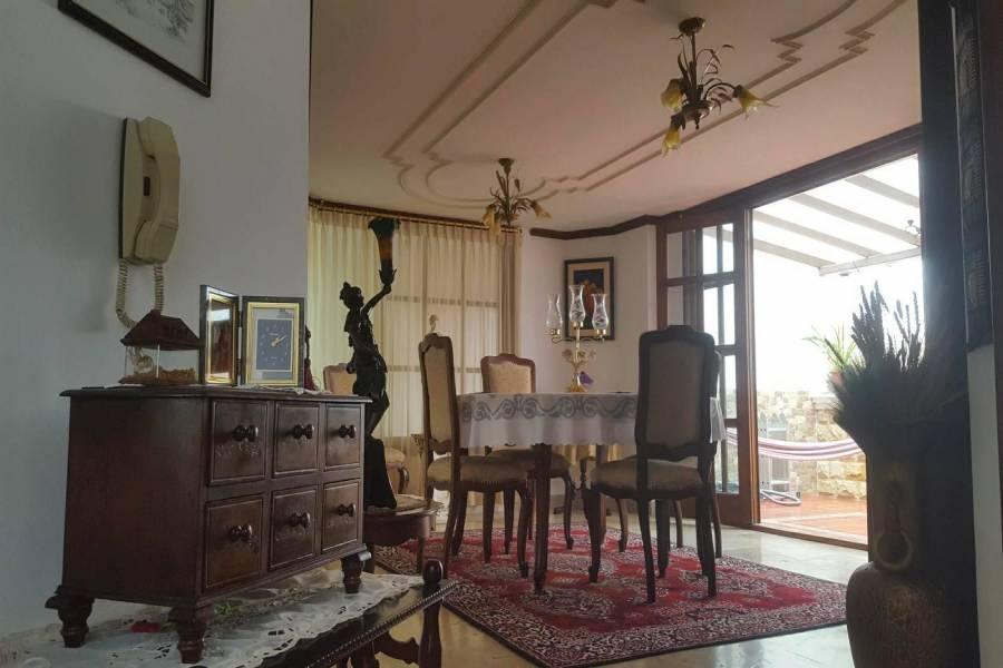 LOJA,Ecuador,3 Habitaciones Habitaciones,3 BañosBaños,Casas,2933