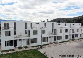 IBARRA,IMBABURA,Ecuador,3 Habitaciones Habitaciones,2 BañosBaños,Casas,Piñan,2,2936