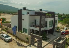 Santa Marta,Magdalena,Colombia,4 Habitaciones Habitaciones,4 BañosBaños,Casas,Villa Soverato,3008