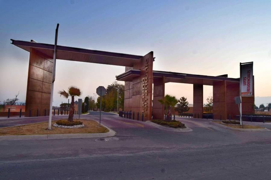 Metepec,Estado de Mexico,Mexico,4 Habitaciones Habitaciones,4 BañosBaños,Casas,Fraccionamiento Ex-Hacienda ,Ave. Estado de México,3,3474
