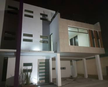 Metepec,Estado de Mexico,Mexico,3 Bedrooms Bedrooms,3 BathroomsBathrooms,Casas,5 de mayo,la Providencia,3669