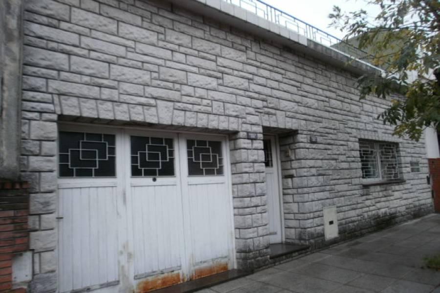 Flores,Capital Federal,5 Habitaciones Habitaciones,2 BañosBaños,Casas,CAMACUA ,1009