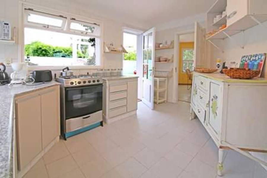 La Barra,Maldonado,Uruguay,5 Bedrooms Bedrooms,3 BathroomsBathrooms,Casas,4141