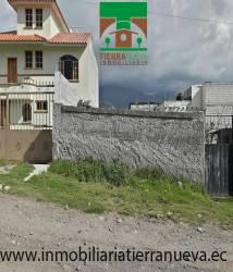 Se vende 2 hermosos  lotes  con un área de terreno 200m2 con todos los servicios básicos, agua potable, luz y alcantarillado, ubicados en el sector de San Pablo del lago a una cuadra de la calle principal.        PRECIO USD13.000Para mayor información y ventas visítanos en nuestra oficina: INMOBILIARIA TIERRA NUEVA Dirección Otavalo, Calle Piedrahita Nº 4-31 y Bolívar. Teléfonos: fijo: (06) 2927429  /  (02) 21110999  /  0998481848  /  0980561293 Whatsapp:  593980247008 https://chat.whatsapp.com/HfA6fXdTBcq7LDQ4iW1esD Website: www.inmobiliariatierranueva.ec Email: info@inmobiliariatierranueva.ec OTAVALO - ECUADOR