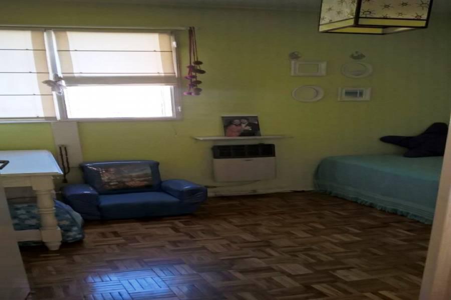 Flores,Capital Federal,3 Habitaciones Habitaciones,2 BañosBaños,Departamentos,VARELA,1011