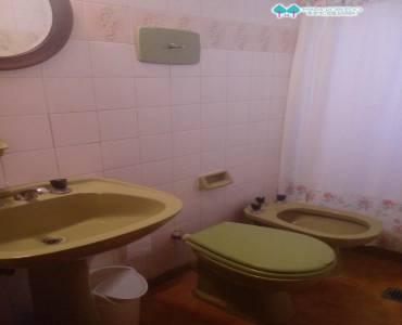 Pinamar,Buenos Aires,Argentina,4 Bedrooms Bedrooms,3 BathroomsBathrooms,Casas,DEL CENTAURO,4439