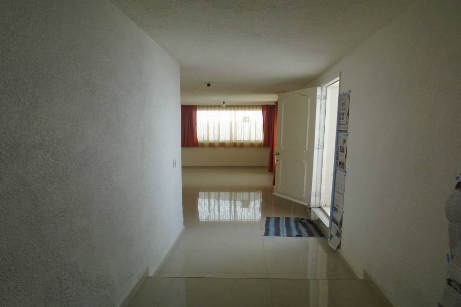 Pachuca de Soto,Hidalgo,Mexico,4 Bedrooms Bedrooms,3 BathroomsBathrooms,Casas,Loma Bonita,4442