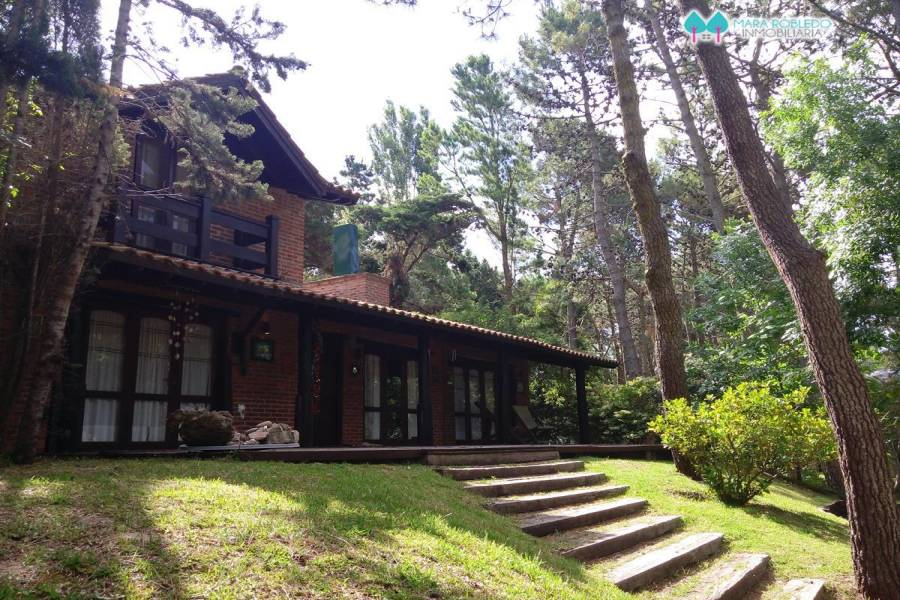 Carilo,Buenos Aires,Argentina,3 Bedrooms Bedrooms,2 BathroomsBathrooms,Casas,PELICANO,4496
