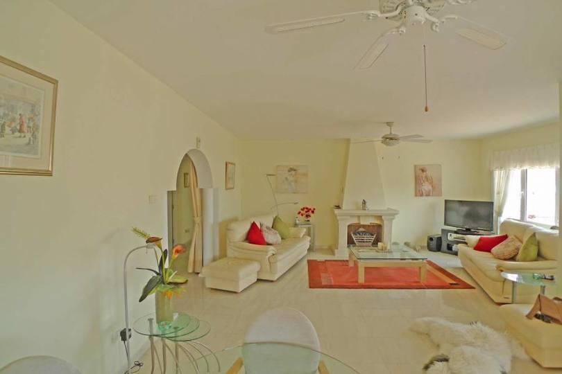 Alcalalí,Alicante,España,4 Bedrooms Bedrooms,2 BathroomsBathrooms,Pisos,10140
