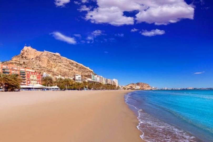 Alicante,Alicante,España,3 Bedrooms Bedrooms,1 BañoBathrooms,Pisos,10203