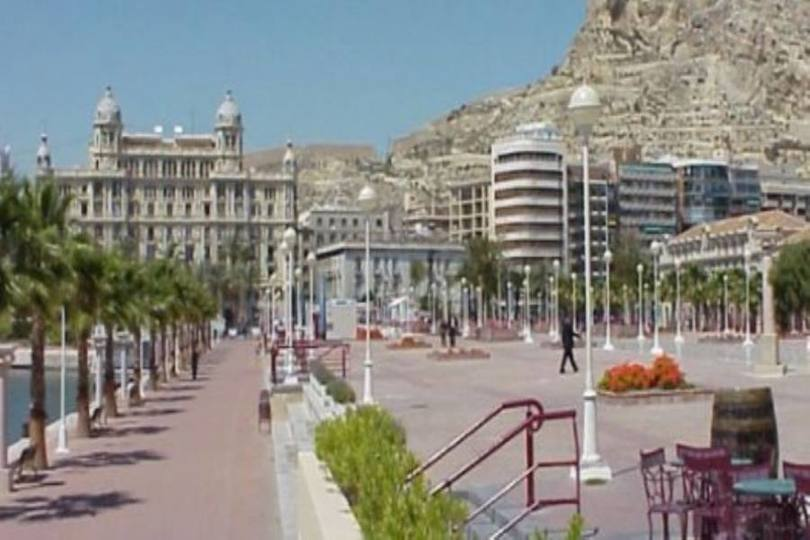 Alicante,Alicante,España,3 Bedrooms Bedrooms,1 BañoBathrooms,Pisos,10206