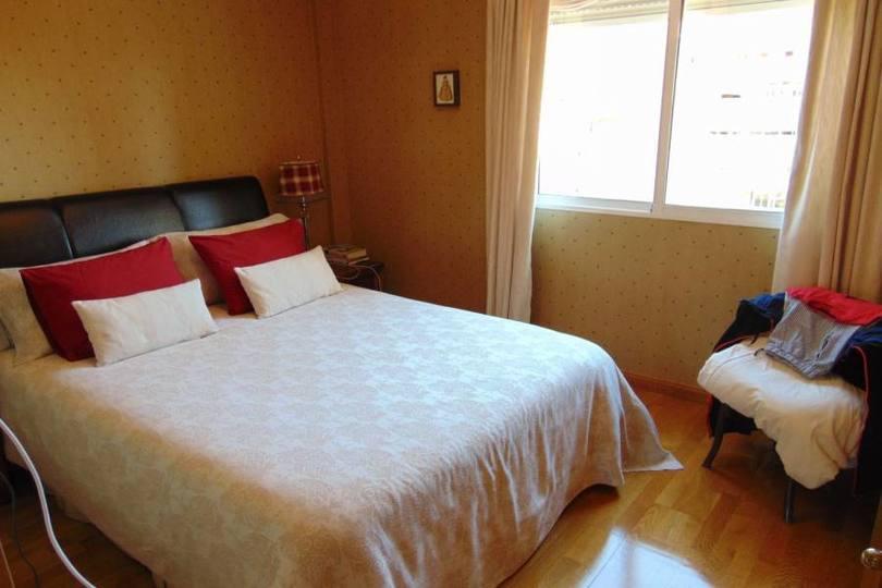 Alicante,Alicante,España,3 Bedrooms Bedrooms,2 BathroomsBathrooms,Pisos,10225