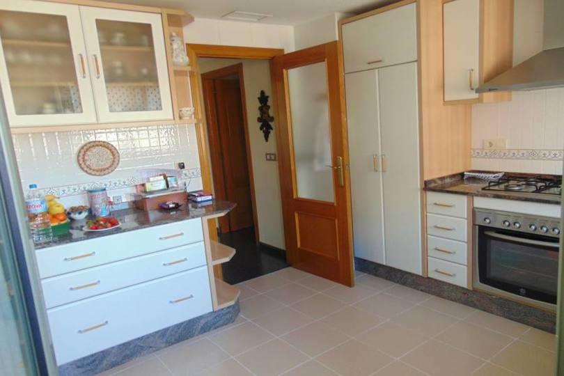 Alicante,Alicante,España,3 Bedrooms Bedrooms,2 BathroomsBathrooms,Pisos,10237