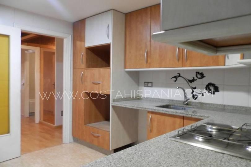 Alicante,Alicante,España,3 Bedrooms Bedrooms,2 BathroomsBathrooms,Pisos,10239