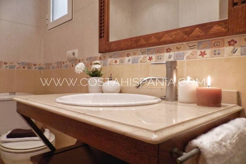 Alicante,Alicante,España,3 Bedrooms Bedrooms,2 BathroomsBathrooms,Pisos,10245