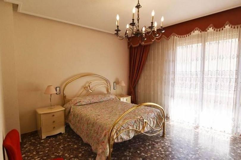 Elche,Alicante,España,4 Bedrooms Bedrooms,2 BathroomsBathrooms,Pisos,11449
