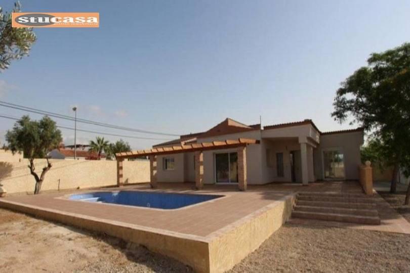Mutxamel,Alicante,España,4 Bedrooms Bedrooms,3 BathroomsBathrooms,Pisos,11558