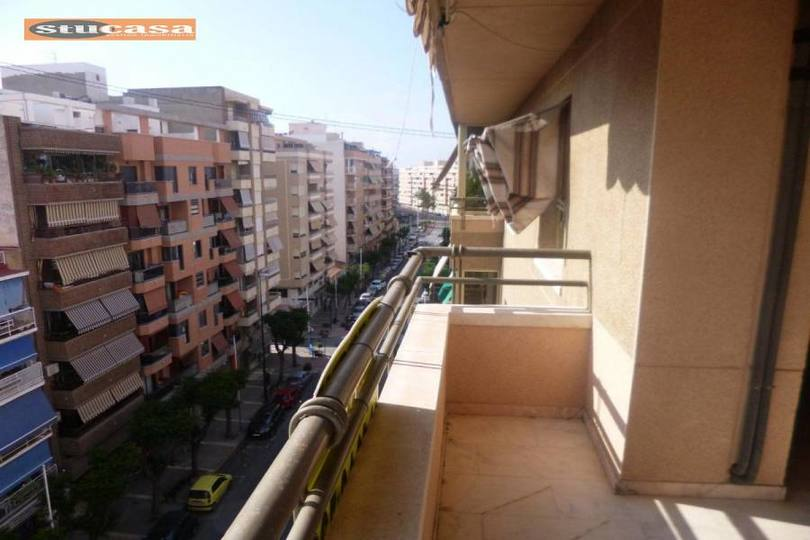 San Juan,Alicante,España,4 Bedrooms Bedrooms,2 BathroomsBathrooms,Pisos,11566
