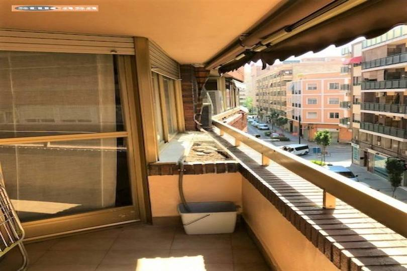 Alicante,Alicante,España,4 Bedrooms Bedrooms,2 BathroomsBathrooms,Pisos,11571