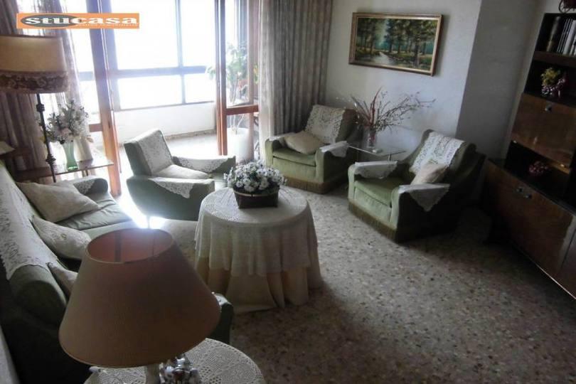 Alicante,Alicante,España,3 Bedrooms Bedrooms,1 BañoBathrooms,Pisos,11580