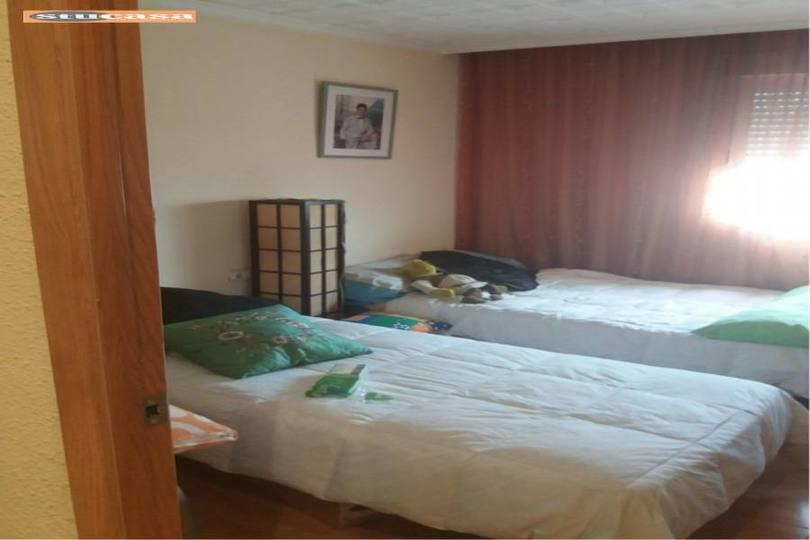 Alicante,Alicante,España,4 Bedrooms Bedrooms,2 BathroomsBathrooms,Pisos,11582