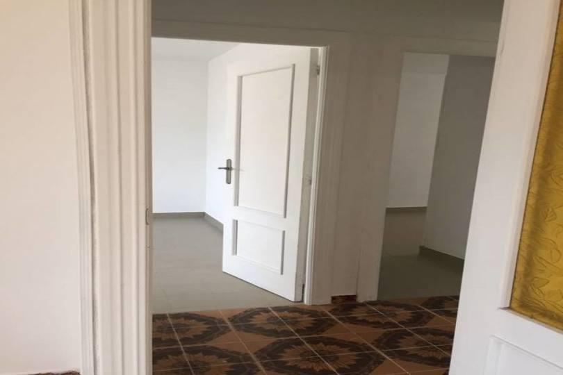 Alicante,Alicante,España,3 Bedrooms Bedrooms,1 BañoBathrooms,Pisos,11606