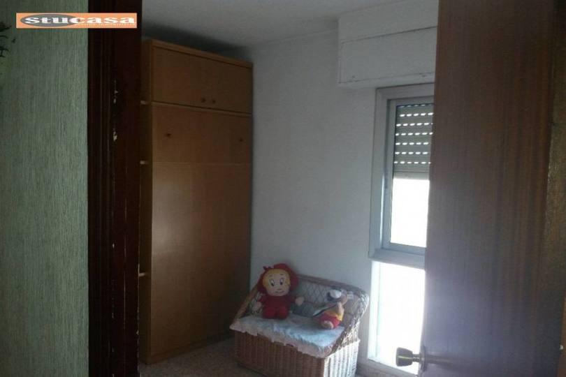 Alicante,Alicante,España,4 Bedrooms Bedrooms,1 BañoBathrooms,Pisos,11607