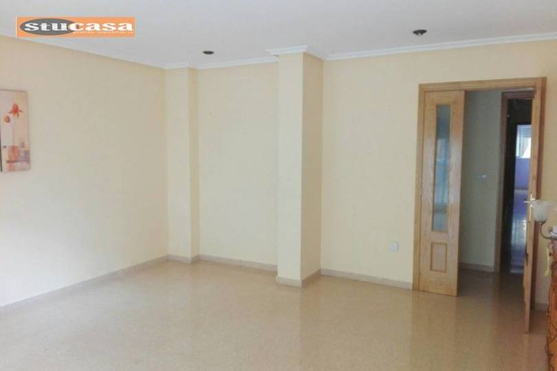 Alicante,Alicante,España,13 Bedrooms Bedrooms,1 BañoBathrooms,Pisos,11619