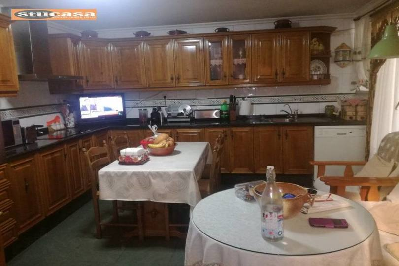 Alicante,Alicante,España,4 Bedrooms Bedrooms,1 BañoBathrooms,Pisos,11624