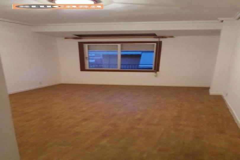 Alicante,Alicante,España,3 Bedrooms Bedrooms,1 BañoBathrooms,Pisos,11639