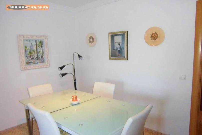 Alicante,Alicante,España,4 Bedrooms Bedrooms,2 BathroomsBathrooms,Pisos,11642