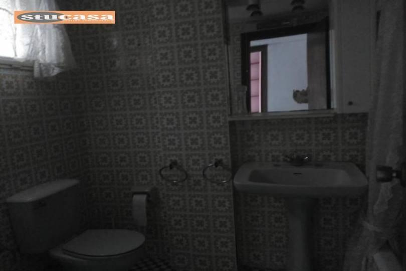 Alicante,Alicante,España,4 Bedrooms Bedrooms,1 BañoBathrooms,Pisos,11654