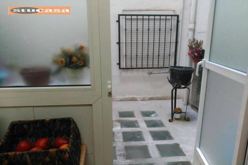 Alicante,Alicante,España,3 Bedrooms Bedrooms,1 BañoBathrooms,Pisos,11658