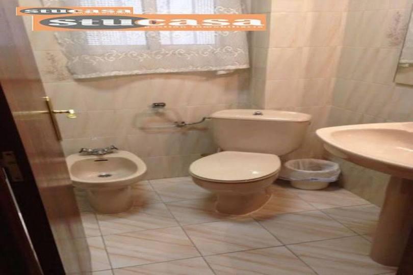 Alicante,Alicante,España,4 Bedrooms Bedrooms,1 BañoBathrooms,Pisos,11661