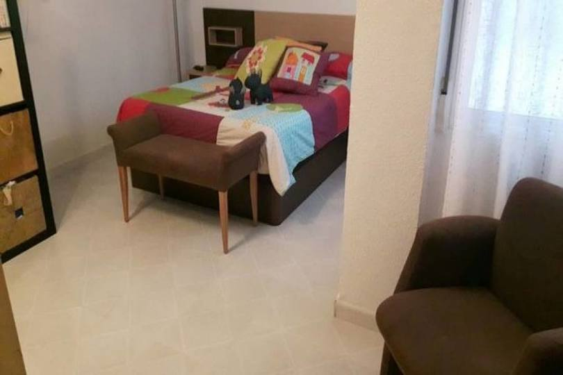 Alicante,Alicante,España,3 Bedrooms Bedrooms,1 BañoBathrooms,Pisos,11749