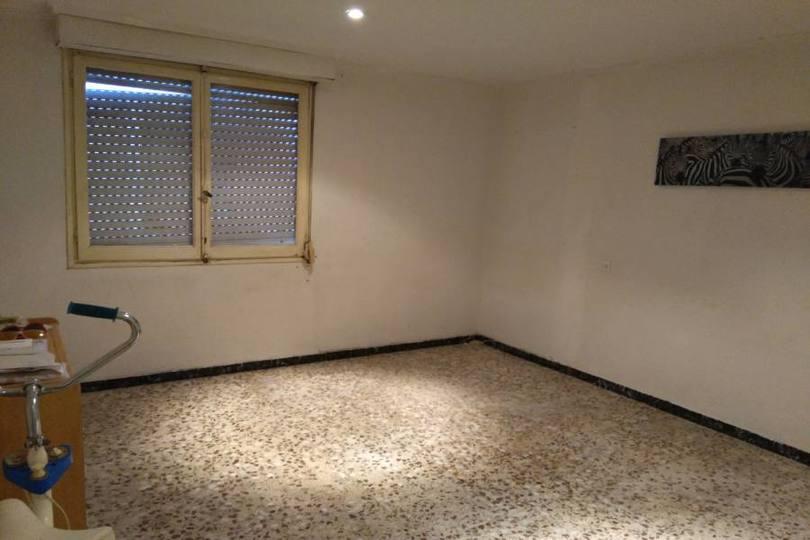 Elche,Alicante,España,3 Bedrooms Bedrooms,1 BañoBathrooms,Pisos,11835