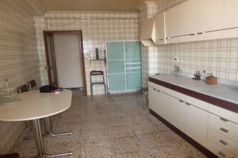 Elche,Alicante,España,3 Bedrooms Bedrooms,1 BañoBathrooms,Pisos,11839