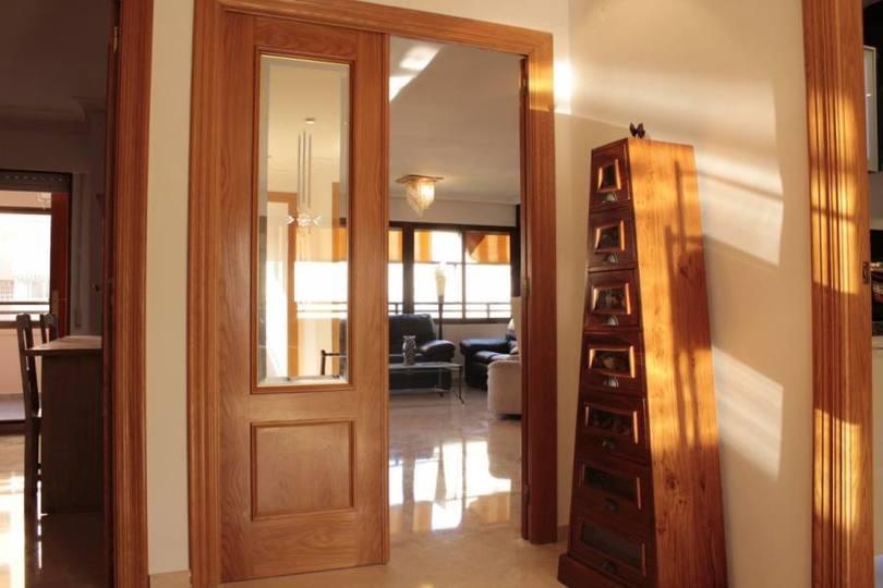 Alicante,Alicante,España,4 Bedrooms Bedrooms,1 BañoBathrooms,Pisos,11856