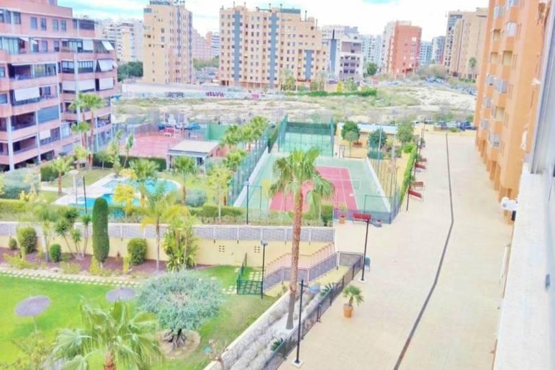 Alicante,Alicante,España,3 Bedrooms Bedrooms,2 BathroomsBathrooms,Pisos,11942