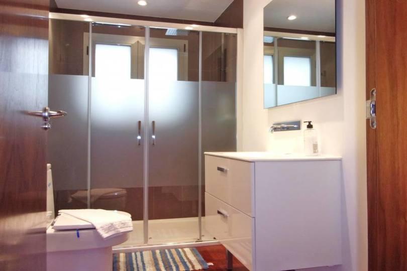 Alicante,Alicante,España,3 Bedrooms Bedrooms,4 BathroomsBathrooms,Pisos,11949