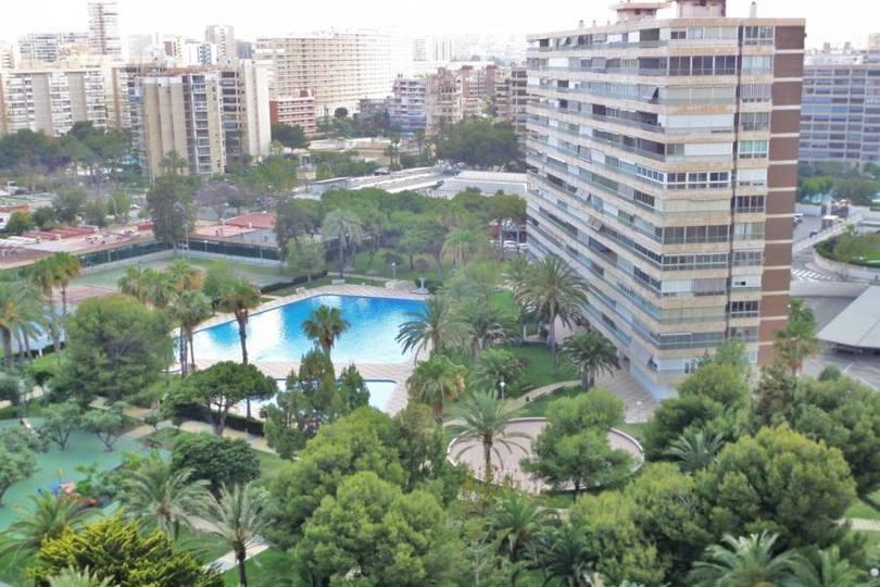 Alicante,Alicante,España,4 Bedrooms Bedrooms,2 BathroomsBathrooms,Pisos,11964