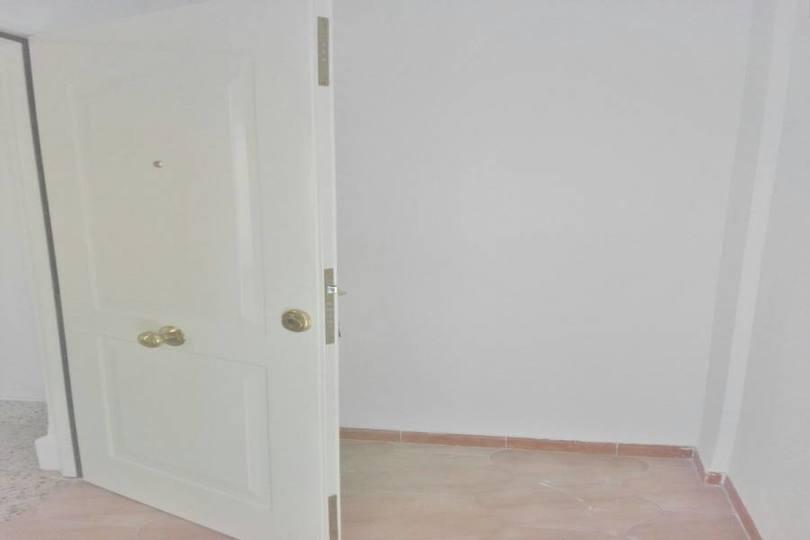 Alicante,Alicante,España,3 Bedrooms Bedrooms,1 BañoBathrooms,Pisos,11972