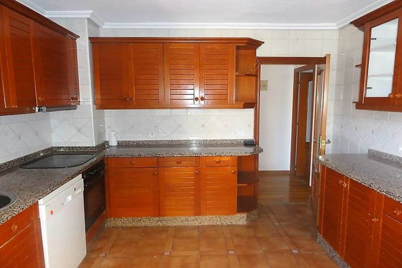 Alicante,Alicante,España,4 Bedrooms Bedrooms,1 BañoBathrooms,Pisos,11982