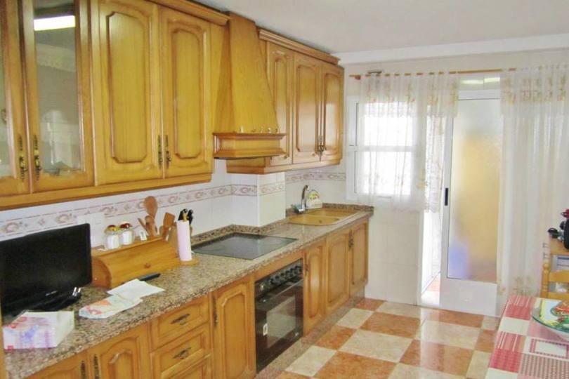 Alicante,Alicante,España,4 Bedrooms Bedrooms,1 BañoBathrooms,Pisos,11989