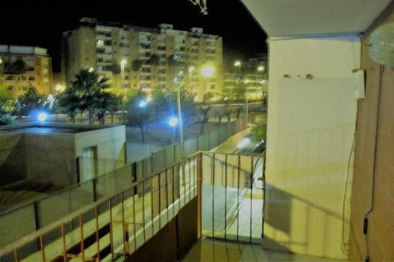 Alicante,Alicante,España,4 Bedrooms Bedrooms,Pisos,12009