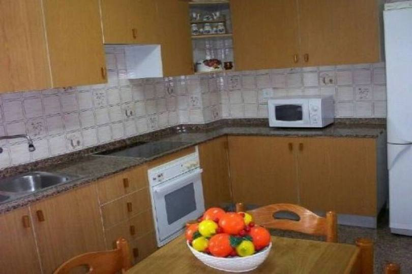 Alicante,Alicante,España,4 Bedrooms Bedrooms,1 BañoBathrooms,Pisos,12029