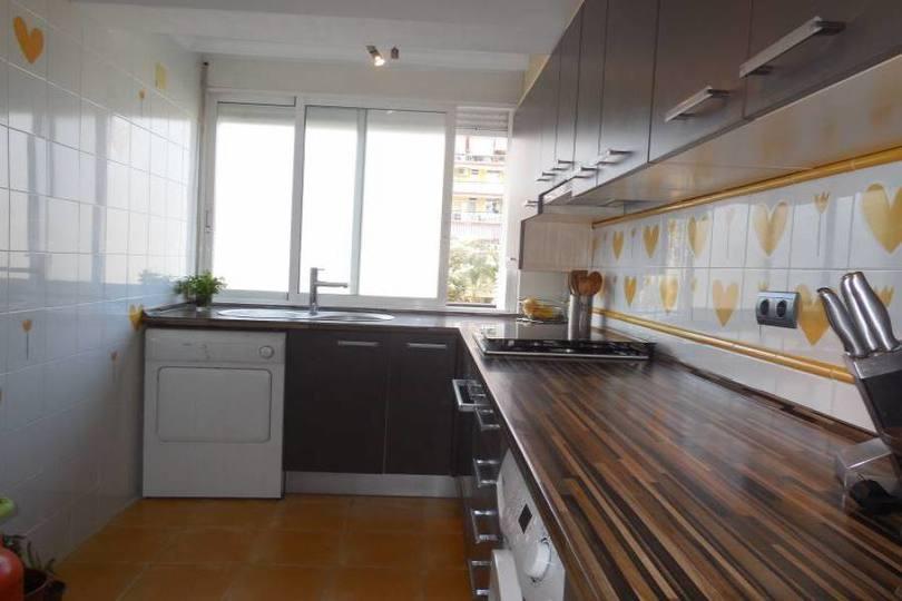Alicante,Alicante,España,3 Bedrooms Bedrooms,2 BathroomsBathrooms,Pisos,12170